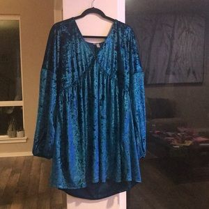 Plus size Velvet blue V-neck dress
